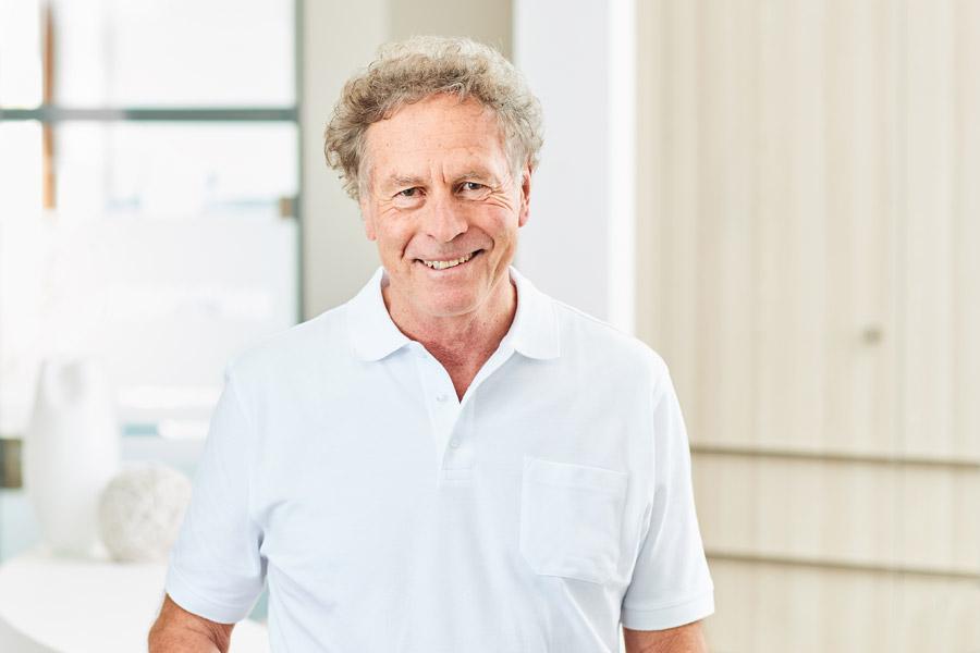 Dr. Rolf Buob